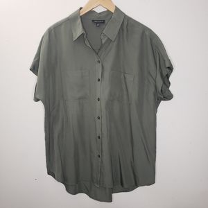 Lord & Taylor Feminine Cocoon Shirt Size L